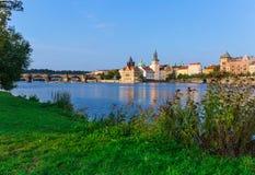 Praga al fiume della Moldava, repubblica Ceca fotografie stock libere da diritti