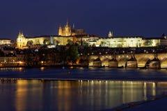 Praga, alla repubblica Ceca di notte fotografie stock