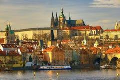 Praga Castel con la st Vitus Cathedral, Moldau, Lesser Town, Praga, repubblica Ceca Fotografie Stock