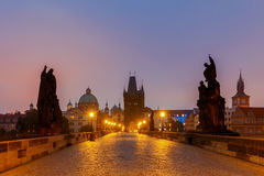 Praga Charles bridge noc obrazy stock