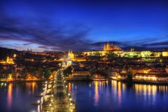 Praga Charles Bridge Sunset immagini stock libere da diritti