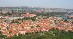 Praga com rio de Vltava Imagem de Stock