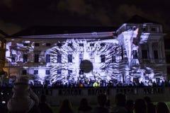 PRAGA, CZ - 12 DE OCTUBRE DE 2017: un 3D videomapping Multiverse de Filip Roca, festival 2017, Praga de la señal imagen de archivo libre de regalías