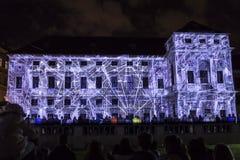 PRAGA, CZ - 12 DE OCTUBRE DE 2017: un 3D videomapping Multiverse de Filip Roca, festival 2017, Praga de la señal fotografía de archivo libre de regalías