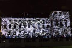 PRAGA, CZ - 12 DE OCTUBRE DE 2017: un 3D videomapping Multiverse de Filip Roca, festival 2017, Praga de la señal fotografía de archivo