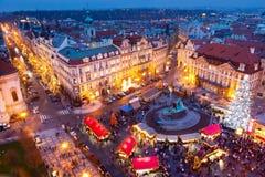 PRAGA, czech REPUBLIC-JAN 05, 2013: Praga bożych narodzeń rynek Fotografia Stock