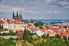 Praga e cattedrale di St.Vitus Immagine Stock