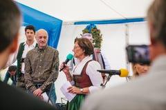 Praga, el 23 de septiembre de 2017: Celebrando el festival alemán tradicional de la cerveza llamó Oktoberfest en la República Che Fotos de archivo