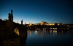 Praga en la noche Imagen de archivo libre de regalías