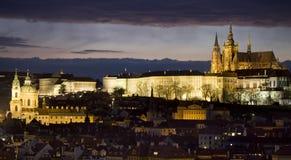 Praga en la noche Fotos de archivo libres de regalías