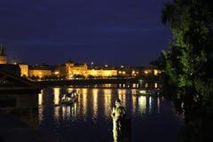 Praga en la noche Imágenes de archivo libres de regalías