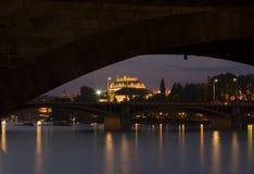 Praga entro Night Fotografia Stock Libera da Diritti
