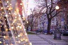 PRAGA, GRUDZIEŃ - 07: Bożonarodzeniowe światła dekoruje ulicę, 20 Zdjęcie Stock