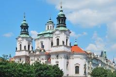 Praga. Iglesia de San Nicolás Imagenes de archivo