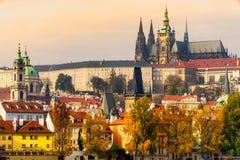Praga, il castello e st Vitus Cathedral Immagine Stock