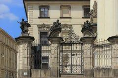 Praga, Katedralni widoki w lecie miasto Zdjęcia Royalty Free