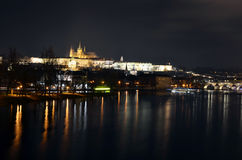 Praga na noite Fotos de Stock