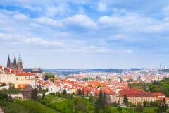 Praga nel giorno di estate St Vitus Cathedral Fotografia Stock