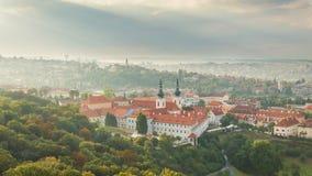 Praga, panorama della città dalla torre dell'allerta di Petrin Immagine Stock