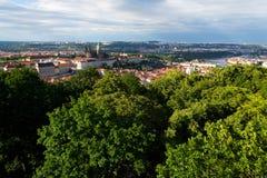 Praga panorama z St Vitus Praga i katedry kasztelem Fotografia Stock