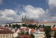 Praga panoramica con Hradcany Fotografie Stock