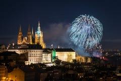 Praga przy nocą, świętego Vitus katedra w republika czech obrazy stock