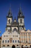 PRAGA, REPÚBLICA CHECA - 24 DE AGOSTO DE 2016: Vista de la iglesia de nuestro Fotos de archivo libres de regalías