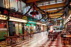 PRAGA, REPÚBLICA CHECA - 23 DE DEZEMBRO DE 2014: Opinião bonita da rua de Imagens de Stock Royalty Free