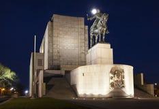 PRAGA, REPÚBLICA CHECA - 21 DE DICIEMBRE DE 2015: Foto de la estatua ecuestre de Jan Zizka en la colina de Vitkov Imagenes de archivo