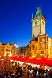 PRAGA, REPÚBLICA CHECA 5 DE ENERO DE 2013: Mercado de la Navidad de Praga Imagen de archivo libre de regalías