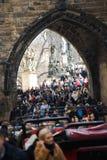 Praga, República Checa - 10 de marzo de 2018 - muchedumbre de gente foto de archivo libre de regalías