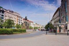 Praga, República Checa - 8 de mayo de 2017: estatua de St Wenceslao en Wenceslas Square por la mañana Praga de la primavera Imágenes de archivo libres de regalías