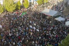 PRAGA, REPÚBLICA CHECA - 15 DE MAYO DE 2017: Demostración en el cuadrado de Praga Wenceslao contra el gobierno y el Babis actuale Imagen de archivo libre de regalías