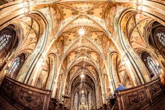 PRAGA, REPÚBLICA CHECA - 19 DE MAYO DE 2017: Iglesia de San Pedro y de P Imágenes de archivo libres de regalías