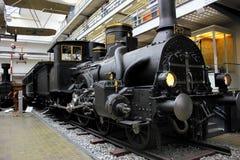 Praga, República Checa - 23 de septiembre de 2017: Locomotora de vapor en museo técnico nacional en Praga, República Checa El tra Imagen de archivo