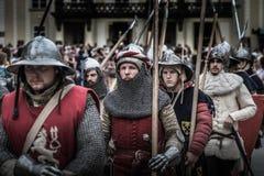 PRAGA, REPÚBLICA CHECA - 4 DE SETEMBRO DE 2016: Os cavaleiros blindados conduzem o março na celebração do 700th aniversário do re Imagem de Stock Royalty Free