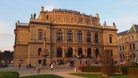Praga, República Checa El edificio de Rudolfinum almacen de video
