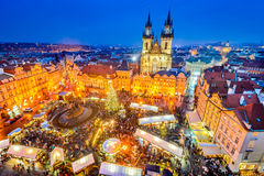 Praga, República Checa - mercado de la Navidad imagenes de archivo