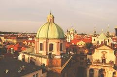 Praga, República Checa, vista superior de la ciudad en colores del vintage imagen de archivo