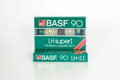 PRAGA, REPUBBLICA CECA - 1° MAGGIO 2019: Due hanno sigillato l'audio LH di BASF compatto delle cassette eccellente io 90 Audio ca immagine stock libera da diritti