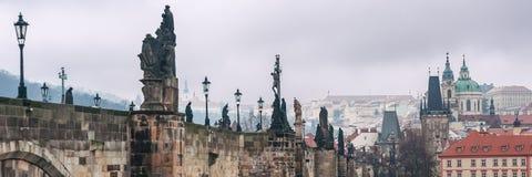 Praga, repubblica Ceca Charles Bridge, sculture, bella vista immagine stock libera da diritti