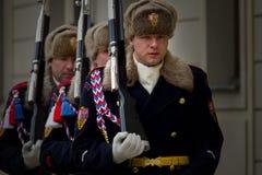 PRAGA, REPUBBLICA CECA - 18 FEBBRAIO 2013: Cambiamento del guar fotografia stock libera da diritti