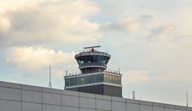 Praga, repubblica Ceca - 28 luglio 2018: Controllo del traffico aereo a fotografia stock libera da diritti