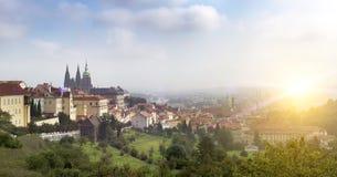Praga, repubblica Ceca Panorama di vecchia città fotografia stock
