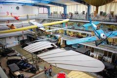Praga, repubblica Ceca - 23 settembre 2017: Interno del museo tecnico nazionale La mostra di storia del trasporto Aeroplani Immagini Stock Libere da Diritti