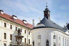 PRAGA, REPUBLIC/EUROPE CHECO - 24 DE SEPTIEMBRE: Capilla cruzada santa Fotografía de archivo libre de regalías