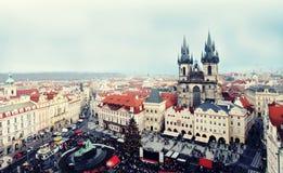 Praga, republika czech Grudzień 26, 2012 - Stary rynek z ptasim ` oka widokiem Zdjęcia Royalty Free