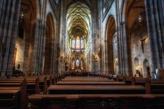 PRAGA, republika czech 2014 Listopad 26: Wielkomiejska katedra święty Vitus, Wenceslaus i Adalbert, jest najwięcej Zdjęcia Stock