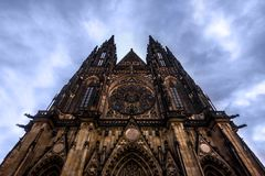 PRAGA, republika czech 2014 Listopad 26: Wielkomiejska katedra święty Vitus, Wenceslaus i Adalbert, jest najwięcej Obraz Stock