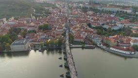 PRAGA, republika czech - MAJ, 2019: Powietrzny pamorama trutnia widok centrum miasta, pejzaż miejski Praga zbiory